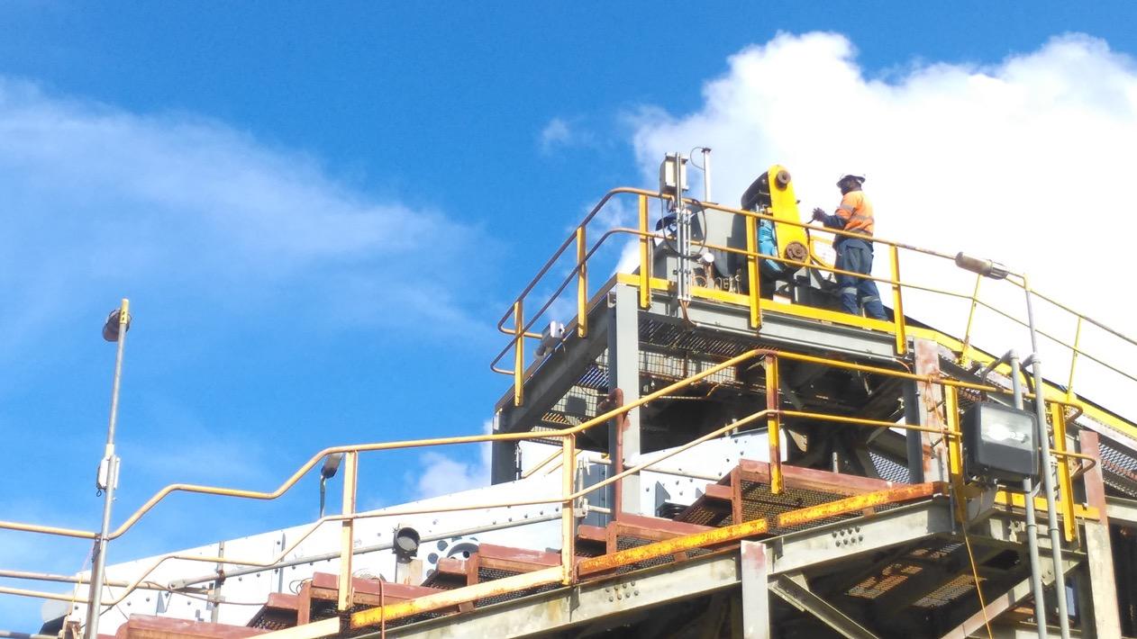 Installing-new-conveyor-2-drive